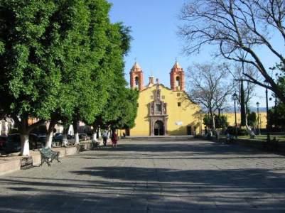 iglesia-barrio-san-miguelito-620x465